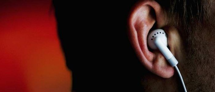Escuchar musica auriculares